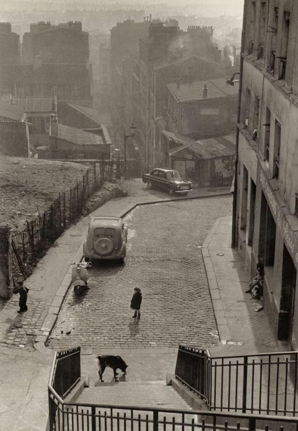 Les pavés de Ménilmontant, Paris, 1956